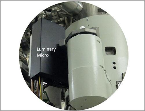 Luminary Micro : Système compact de photo-excitation d'échantillons